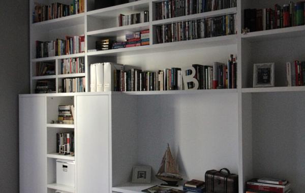 Libreria/studio in legno laccato bianco opaco