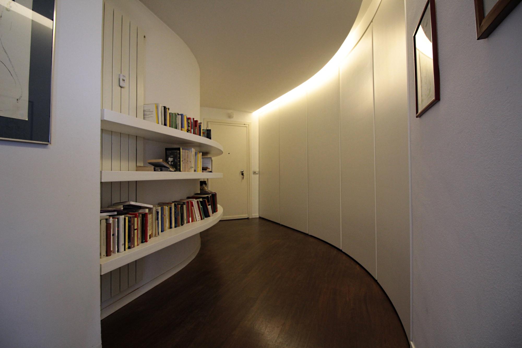Gallery falegnameria fallacara for Mensole curve