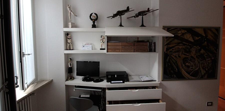 Scrivanie studio falegnameria fallacara - Scrivania camera da letto ...
